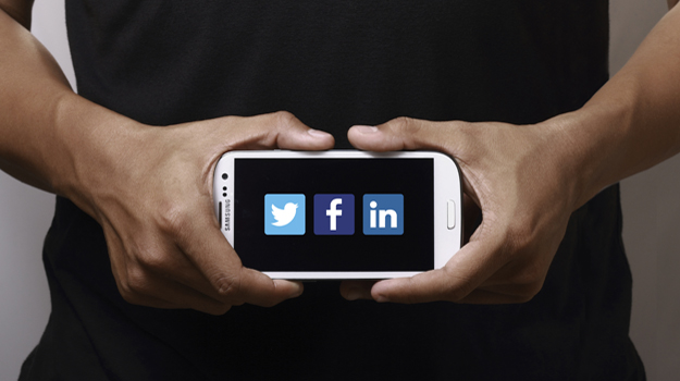 How to use social media in your job hunt